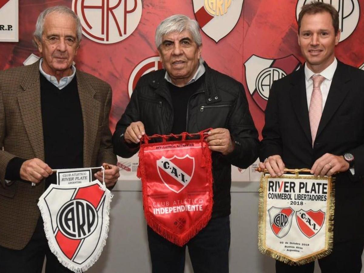 River descuenta de la deuda de Alexander Barboza los partidos que jugará de  local en Independiente. | La Página Millonaria